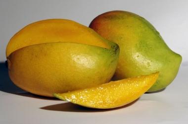 Худеем вкусно: какой фрукт поможет избавиться от лишних килограммов