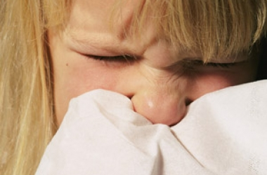 Насморк у ребенка 4 месяца чем лечить в домашних условиях