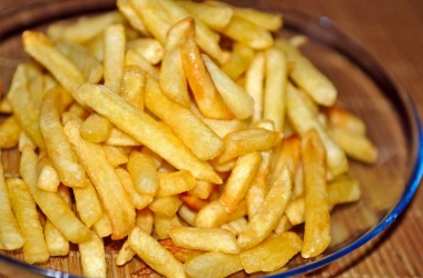 Как картофель фри и чипсы влияют на настроение?