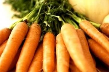 Полезные продукты: 9 причин включить в рацион морковку