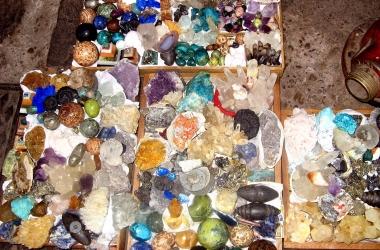 Как выбрать камень-талисман по знаку зодиака