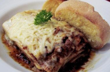 Лазанья со шпинатом и мясной начинкой