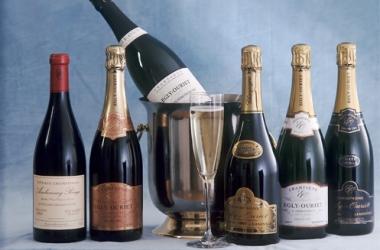 Новогодние коктейли на основе шампанского: 2 рецепта