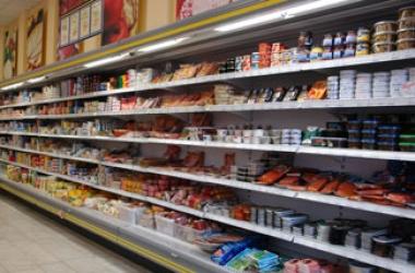 Как выбрать полезные продукты: без ГМО, нитратов, красителей и трансжиров