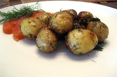 Сидите на диете? Ешьте молодую картошку!