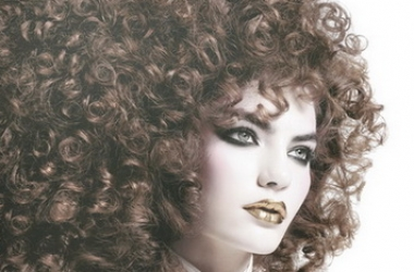 Укладки для вьющихся волос 2013 фото