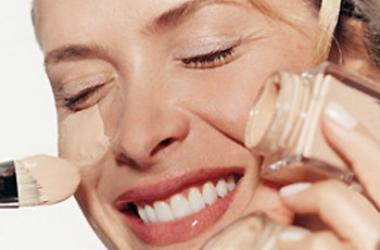 Урок макияжа: как скрыть пигментные пятна консилером