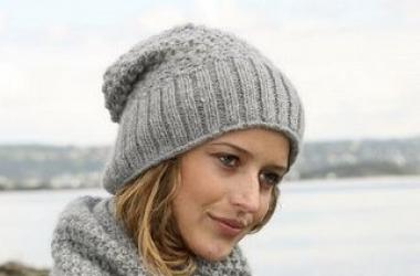 Какие модели вязаных шапок будут в моде (фото)