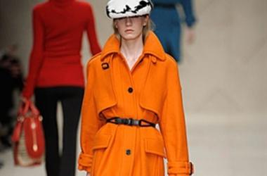 Яркий осенний тренд - пальто кричащих оттенков