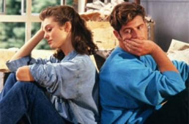 Почему женщины винят себя в неудачах мужа: отвечает психолог