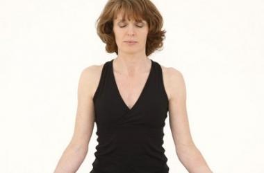 Как избавиться от бессонницы и снять напряжение: 11 эффективных упражнений