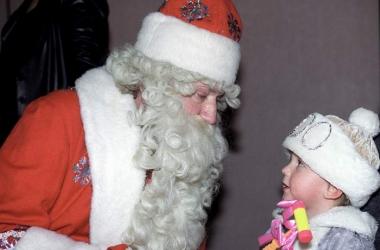 Когда знаменитости перестали верить в Деда Мороза (фото)