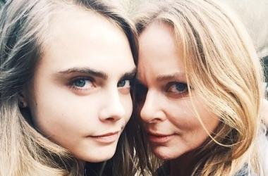 Стелла Маккартни представила новую коллекцию, а Кара Делевинь - свою новую девушку