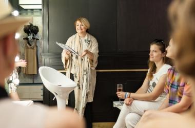 В Киеве открылся женский клуб с бесплатными консультации психологов, визажистов, стилистов и звезд!