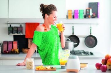Почему смузи полезнее сока: рассказывает диетолог