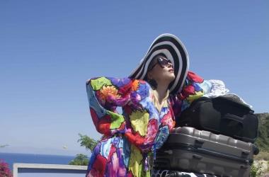 Лена Ленина пыталась провезти в Грецию 130 килограммов багажа