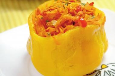 Фаршированный перец: вкусный рецепт болгарского перца с морковью и помидорами