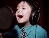 "4-летний мальчик исполняет хит Уитни Хьюстон ""I Will Always Love You"" (видео)"