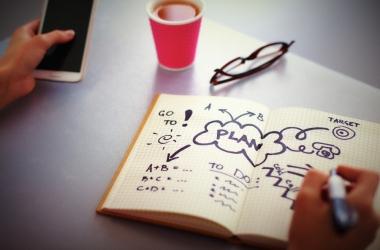 Как заставить себя выполнить любое дело: простой совет известного психолога