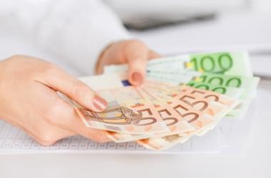 Лунный календарь денег на сентябрь 2015: кому молиться о деньгах