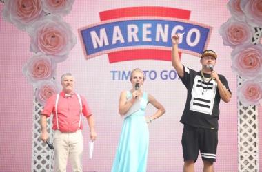 На Большой свадьбе в Киеве одновременно поженились 600 пар