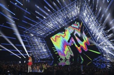 MTV Video Music Awards 2015: список победителей и самые яркие наряды красной дорожки (фото, видео)