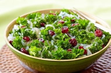 Свежий салат с ширатаки и клюквой (пошаговый рецепт с фото)