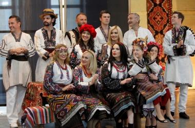Влада Литовченко одела украинских звезд в старинные вышиванки (фото)