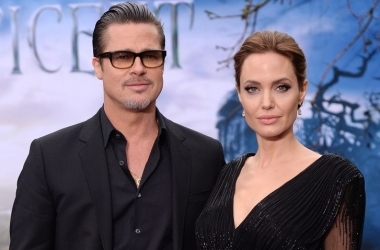Брэд Питт просит Анджелину Джоли лечь в клинику из-за ее худобы