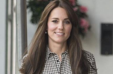 Кейт Миддлтон вышла из декрета: новая стрижка, красивое платье, счастливая улыбка - к работе готова