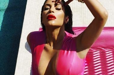 Ким Кардашьян выложила провокационные фото в Инстаграм: эротические фото на третьем месяце беременности (фото)