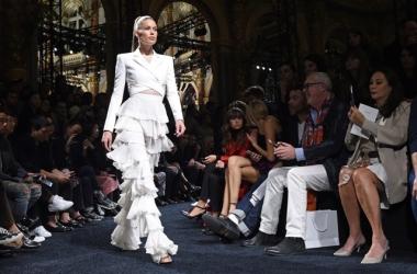 Мода весна-лето 2016: любимый дизайнер Кардашьян Balmain представил волнующую коллекцию