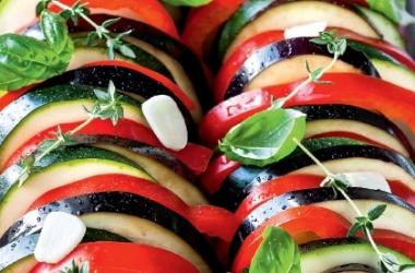 Рецепты из баклажанов и кабачков: запеканка из кабачков и рататуй с цукини и базиликом - просто и быстро