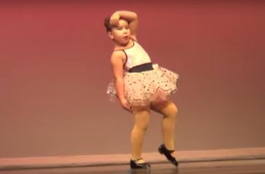 6-летняя девочка покорила своим зажигательным танцем интернет (видео)