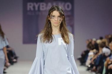 Ukrainian Fashion Week: необычные аппликации, нарисованные дизайнером Мариной Рыбалко