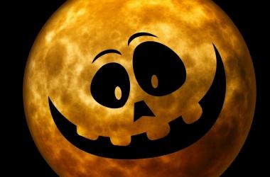 Поздравления на Хэллоуин на английском: прикольные короткие смс с праздником