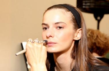 Тональный крем: как правильно наносить - топ-3 секрета профессиональных визажистов