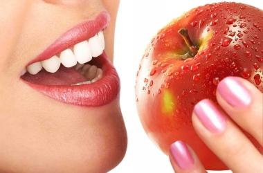Пять вредных продуктов для наших зубов