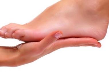 Трещины на пятках: лучшие способы вылечить твои ножки