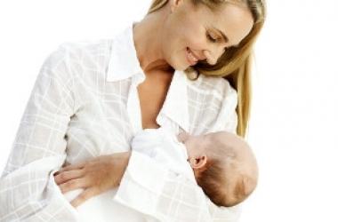 Если насморк мешает ребенку сосать грудь