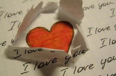 Стихи о любви: самые красивые, оригинальные короткие и длинные стихи про любовь для любимой в День святого Валентина