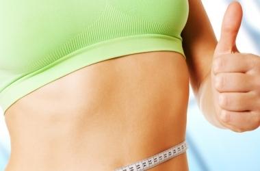 Зарядка для плоского живота: самые эффективные упражнения