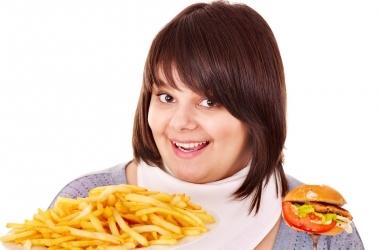 Как быстро похудеть: 8 эффективных привычек от переедания
