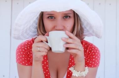 Какой напиток утром поможет не сойти с ума