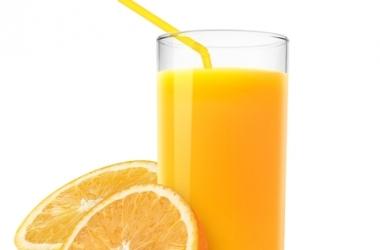 Чем опасен апельсиновый сок для женского здоровья