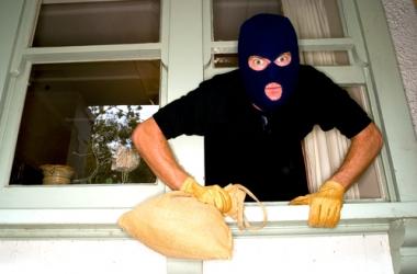 Как защитить дом от краж