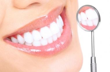 Как правильно отбеливать зубы?