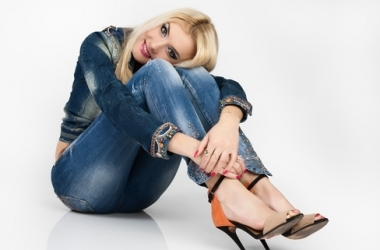Чем опасны джинсы для женщины