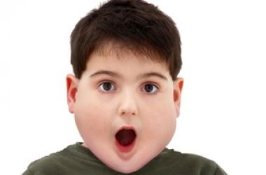 Дети с заниженной самооценкой рискуют заболеть ожирением