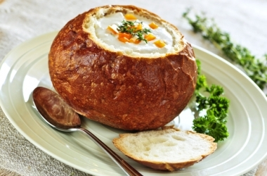 Очень вкусно! Рецепт чешского грибного супа в хлебе
